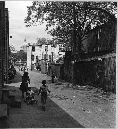 Photo: Alley,Washington,DC,dome,US Capitol,African Americans,road,families,c1950