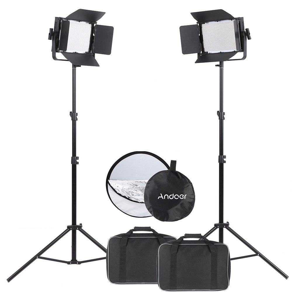Andoer 1040 LEDビデオライト 1040球のLEDを搭載 カメラ&ビデオカメラ用 CRI 95+ 7680LM 5600K DMX512 + 2個入り ライトスタンド + 5-IN-1 丸レフ板 (銀、金、白、黒、半透明) 110cm   B01IR6B1RO