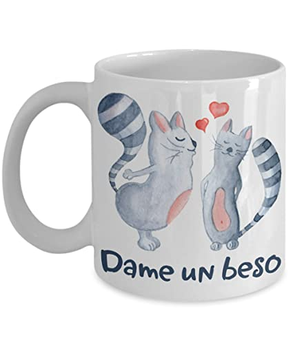 Amazon.com: Dame un beso Taza Te amo gatos Parejas corazones Spanish Language Gimme Kiss Coffee Mug I Love You Cats Couples Hearts: Kitchen & Dining
