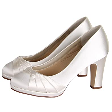 92e0d5ad8a6 Rainbow Club Kimberly Extra Wide Ivory Wedding Shoes Size 5  Amazon.co.uk   Shoes   Bags