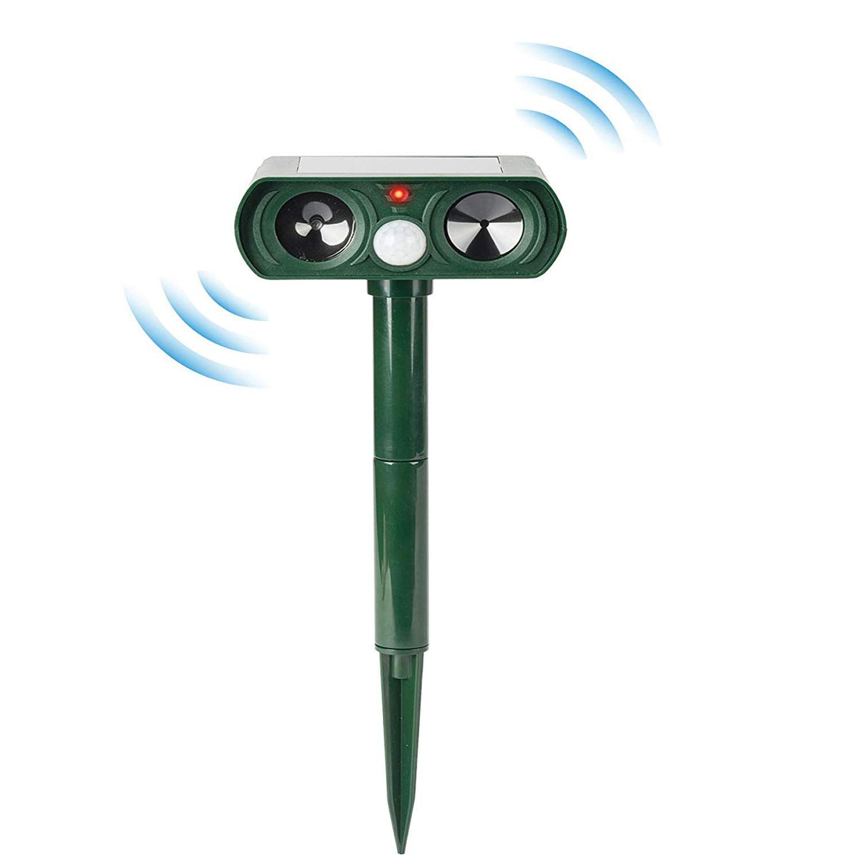 Ultrasonic Pest Repeller with Solar Powered Motion Sensor, Outdoor Waterproof Animal Repellent Repel Cats Squirrels Dogs Foxes Birds Skunks