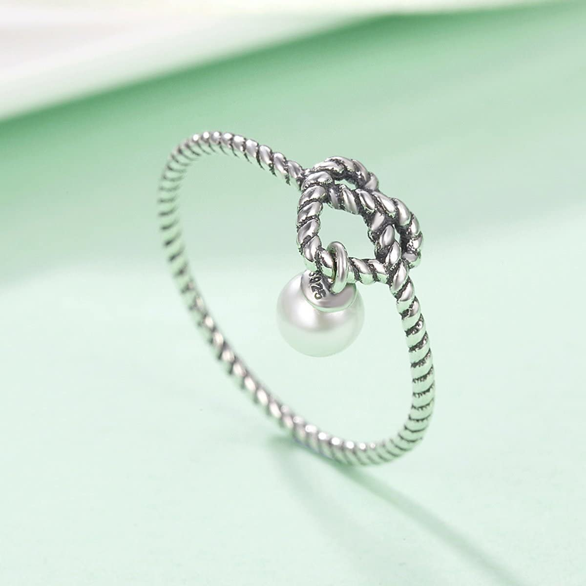 The Kiss Twisted Heart with Simulated Pearl 925 Sterling Silver Ring