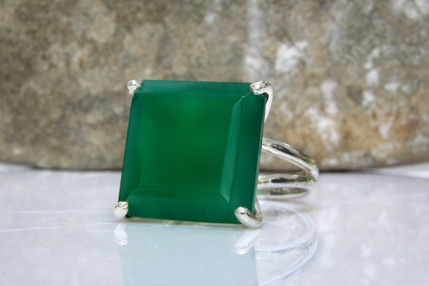 Square cocktail ring, prong setting ring, silver ring, green onyx ring, square stone ring, silver green ring