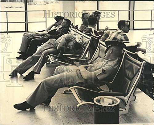 1966 Press Photo Airline Strike O'Hare Airport Chicago - - Airport Hare Pictures O Chicago