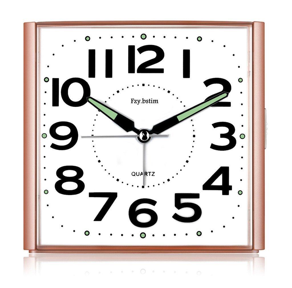 目覚まし時計 大音量 アナログ 連続秒針 超静音 ナイトライト付 大きい文字 大音量 可愛い アラームクロック 卓上時計 ベッドルーム置き時計 電池式 (ピンク ) B071VR2V3Qピンク