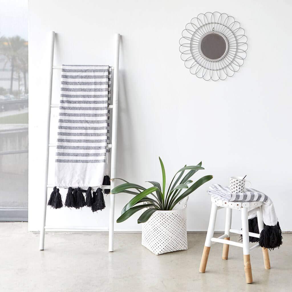 toallero Estante para ba/ño 5 pelda/ños Color Blanco Perchero Elegante Ligero bamb/ú 150x50x4 cm. Soporte Perchero Estilo /étnico Black Velvet Studio Escalera I Love Bambu Natural