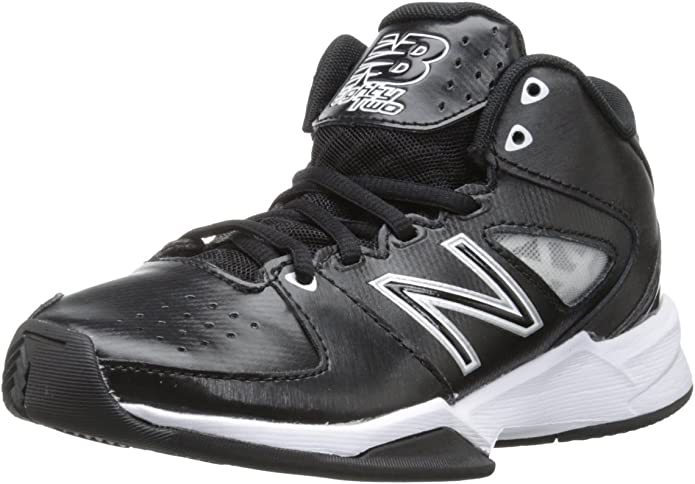 New Balance KB82 Y Basketball Sneaker