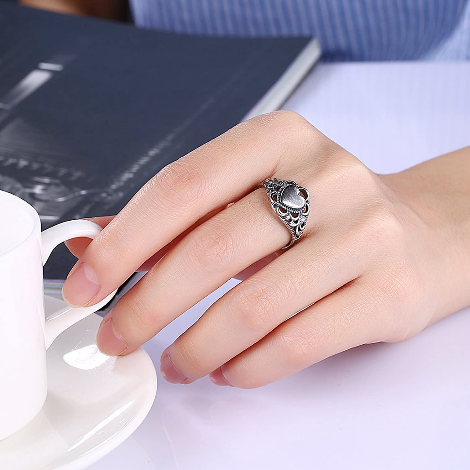 Amazon.com: Retro Minimalist Personality Heart-Shaped Ring Skeleton ...