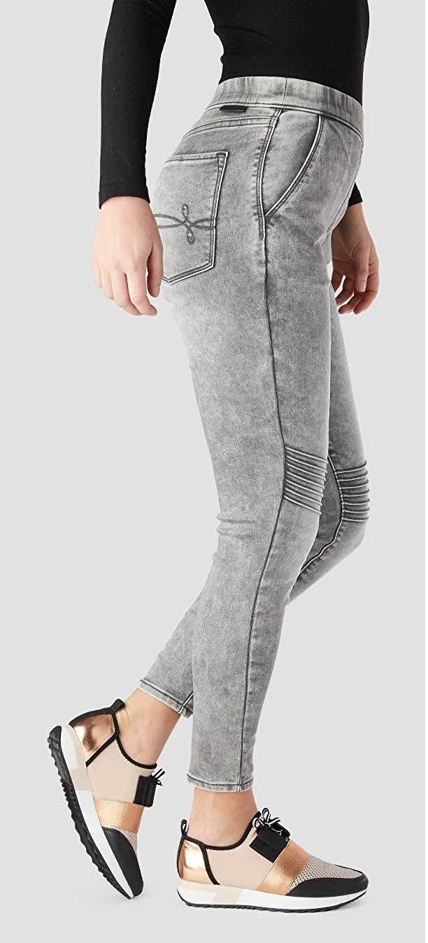9a728fdbd1ad DENIZEN from Levi's Women's Junior's High-Rise Moto Jeggings (Gray, Medium  M, 30W x 26L) at Amazon Women's Jeans store