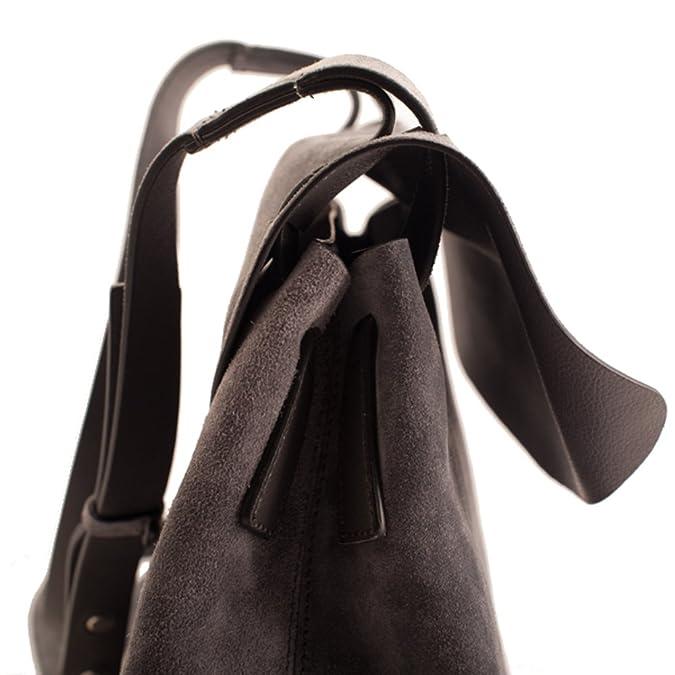 c3071e06f4 Coccinelle borsa a tracolla grigio fumo: Amazon.it: Scarpe e borse