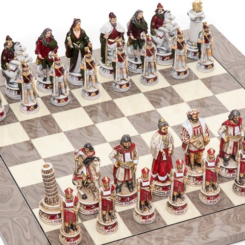 Pisa and Venice Alabaster Chessmen from Italy with Greenwich Street Chess Board from Spain ()