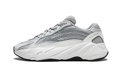finest selection cd42b 914fb Amazon.com | adidas Yeezy Boost 700 V2 (Static/Static/Static ...