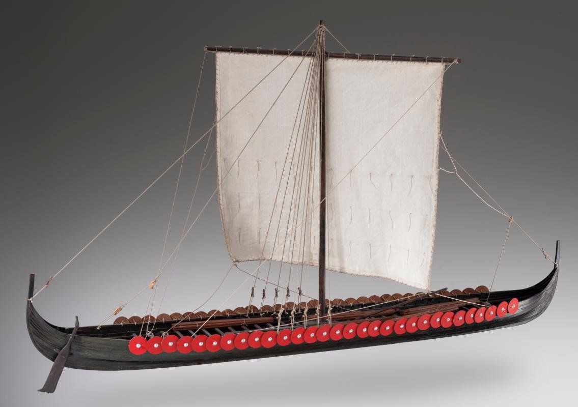DUSEK Viking LONGSHIP Scale 1:35 L:850 H:370 W: 470 mm