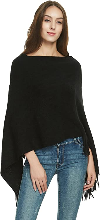 Soft poncho with black knitted collar