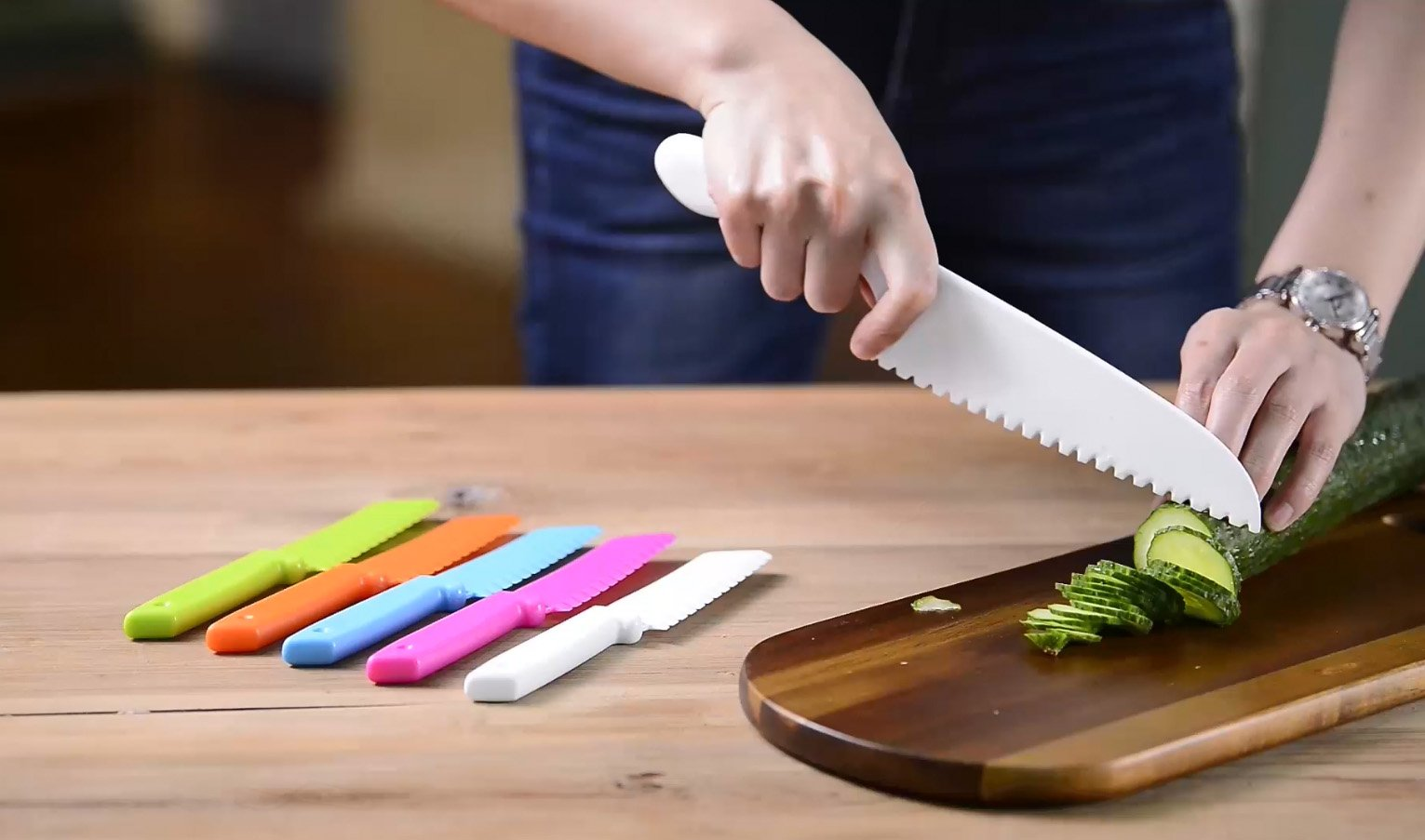ONUPGO Plastic Kitchen Knife Set with Serrated Cutting Edges - Kids Safe Chef Nylon Knife/Children's Cooking Knives for Fruit, Bread, Cake, Lettuce and Salad (White) by OnUpgo (Image #5)
