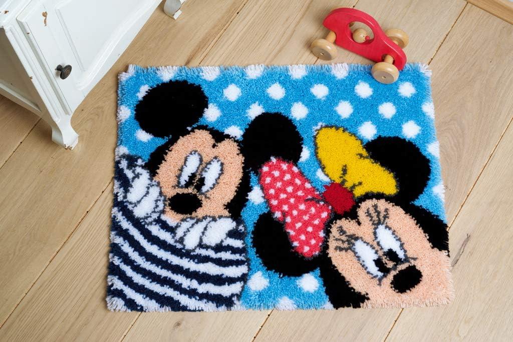 Disneys Mickey /& Minnie Peek-a-boo Latch Hook Rug Kit