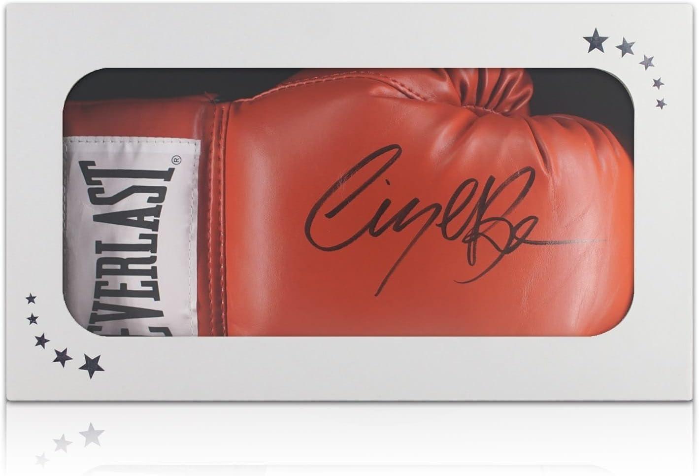 Guante de boxeo firmado por Nigel Benn. En caja de regalo: Amazon.es: Deportes y aire libre