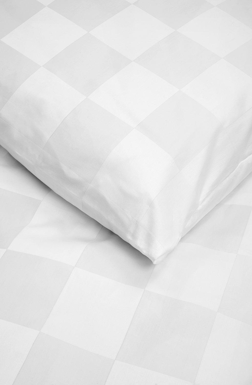 Luxuriöse Damast-Bettwäsche in exklusiver Hotelqualität 135 135 135 x 200 cm Weiß Karo aus 100 % Baumwolle für besten Schlafkomfort – Hotel-Bettwäsche Set mit Kopfkissen-Bezug und edlen Damast-Streifen f2b4ff