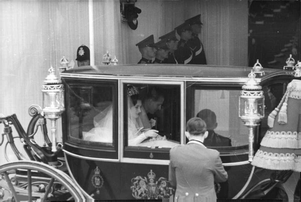 Amazon Com Vintage Photo Of Princess Margaret Sitting In Carriage