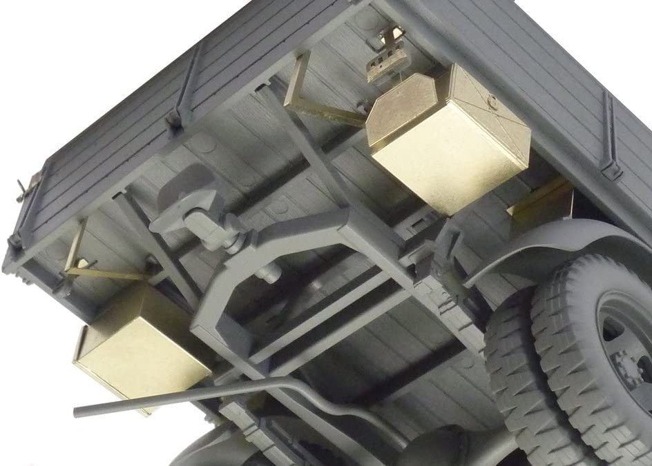1/35 Scale German 3T 42 Cargo Truck (W/Photo-Etched) Plastic Model Building Kit [Japan]