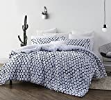Byourbed Midnight Hive Full Comforter