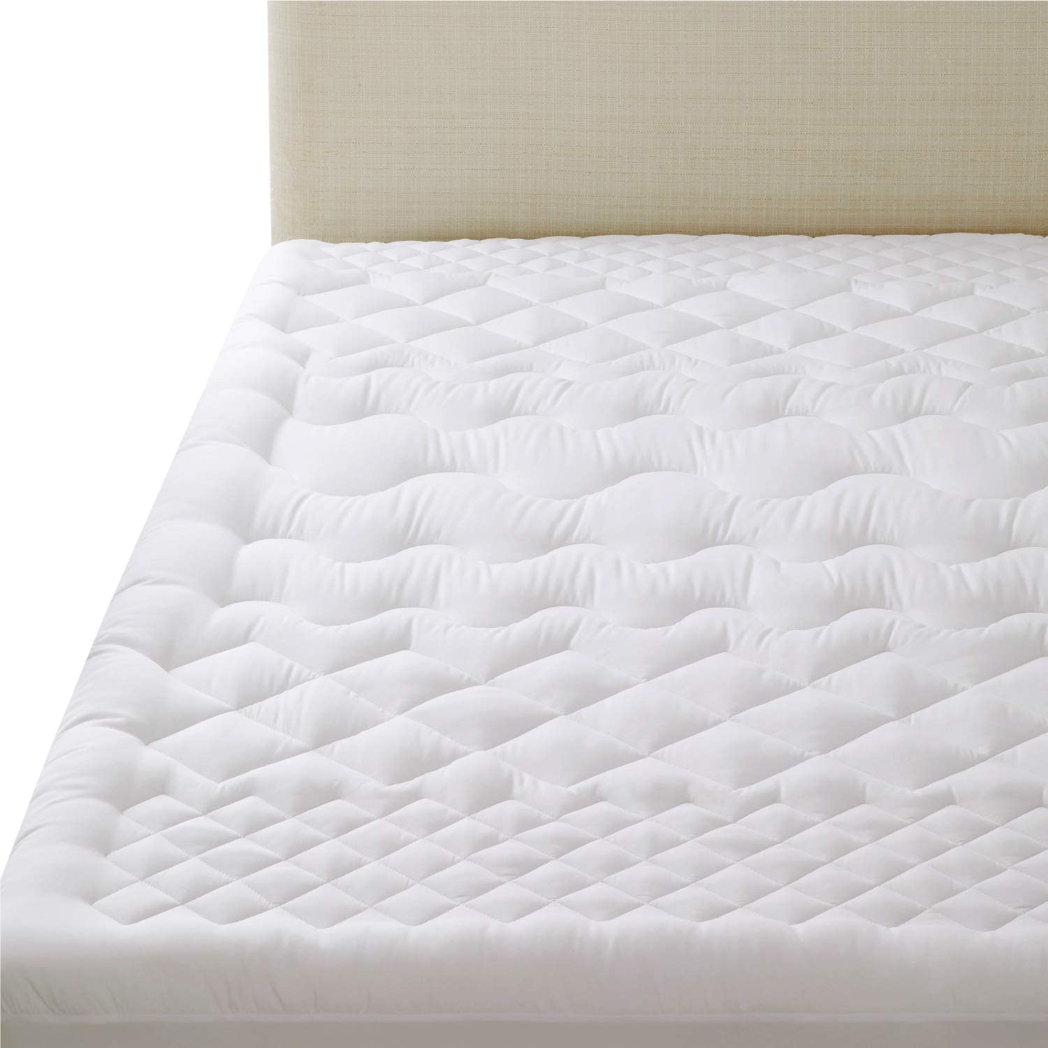 Bedsure Quilted Mattress Pad King - Pillow Top Mattress Cover - Fitted Mattress Topper (up to 18 inches Deep Pocket) - Overfilled, Soft, Breathable, Washable, White