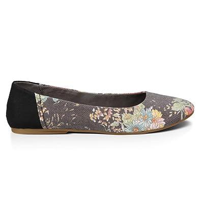 987e21234d7 Amazon.com  Sanuk Womens Yoga Eden Sidewalk Surfers Footwear Size 07 Black Floral   Shoes