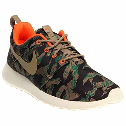 2fc9c32e2135 Image Unavailable. Image not available for. Color  Nike Rosherun Print Men  Sneakers Medium Olive Sea Weed Gorge Green Bamboo 655206
