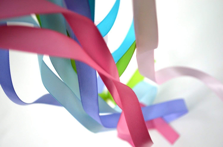 Hand Kite Ribbon Runner