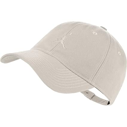 Amazon.com  NIKE Mens Air Jordan Floppy H86 Dad Hat (Cream f21955a4b92