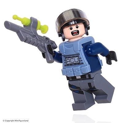 LEGO Jurassic World ACU Minifigure w/ Helmet: Toys & Games