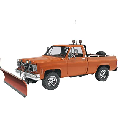 Revell GMC Pickup with Snow Plow Plastic Model Kit: Toys & Games