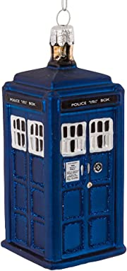 Aggiungi gli ultimi ritocchi al tuo albero di Natale con questo ornamento rappresentante la famosa cabina telefonica del Doctor Who.