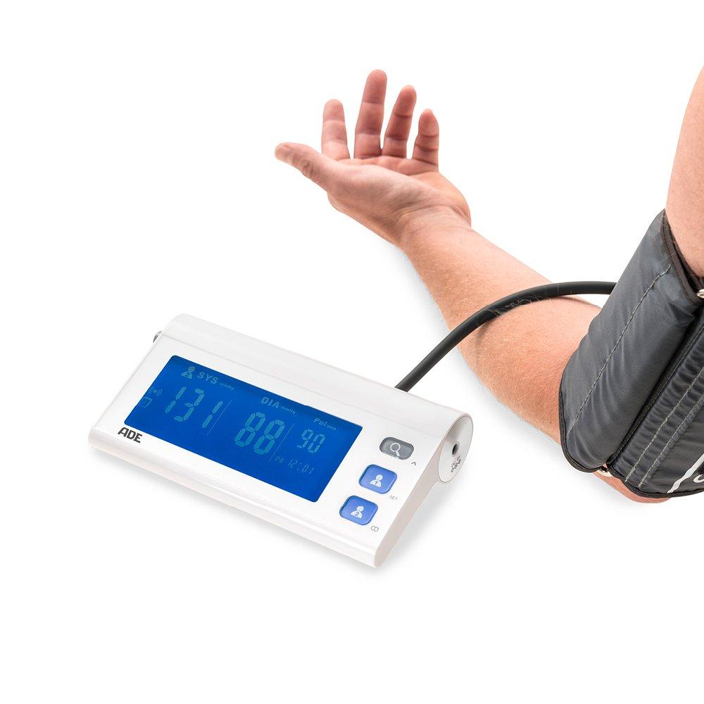 ADE Tensiómetro de brazo digital BPM1601 medición presión oscilométrica, pulso y aviso de arritmia. Compatible con App. gratuita FITvigo Display LCD y ...