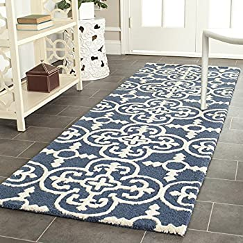 """Safavieh Cambridge Collection CAM133G Handcrafted Moroccan Geometric Navy and Ivory Premium Wool Runner (26"""" x 6)"""
