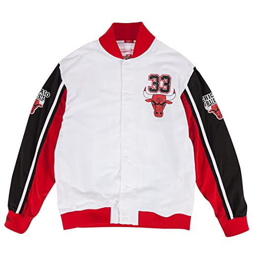 sports shoes b68ad e78c3 Scottie Pippen Chicago Bulls Mitchell   Ness NBA Warmup Premium Jacket
