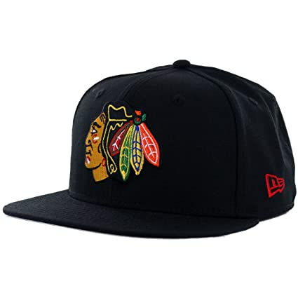 Amazon.com   New Era 59Fifty Chicago Blackhawks Fitted Hat (Black ... e66ba52e760