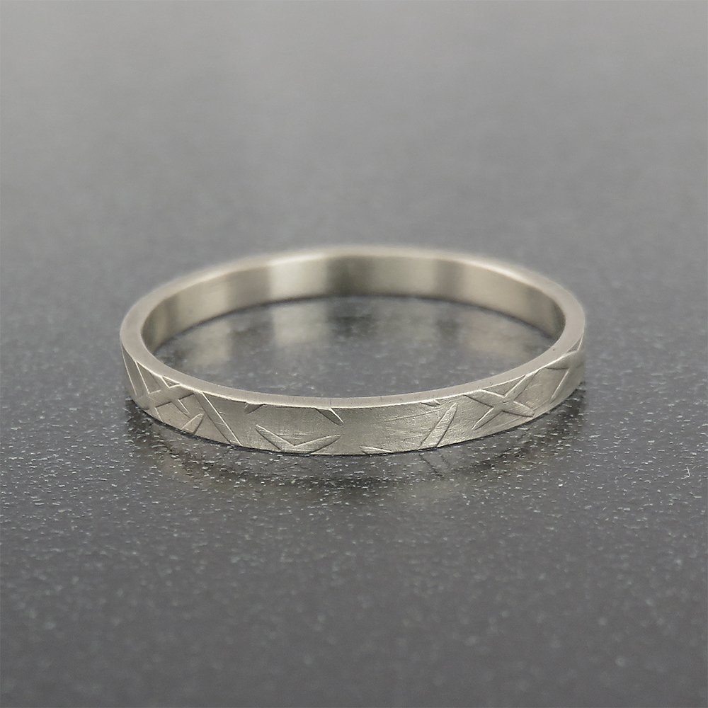c19236907eea8 Amazon.com: White Gold Thin Wedding Band for Men and Women with ...