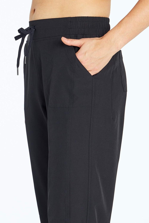 Marika Hana Stretch Woven Pocket Capri Pant