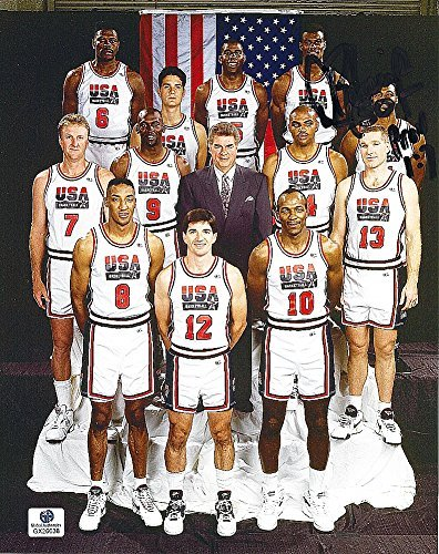 AUTOGRAPHED 1992 David Robinson (USA Basketball Team) Olympics Dream Team Pose Signed 7.5X9.5 NBA Glossy Photo with COA (Basketball Autographed Robinson)