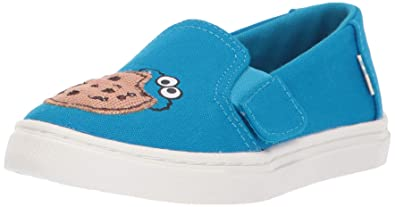 e7c1398ced6 TOMS Kids Unisex Sesame Street Luca (Toddler Little Kid) Blue Cookie  Monster Aplique