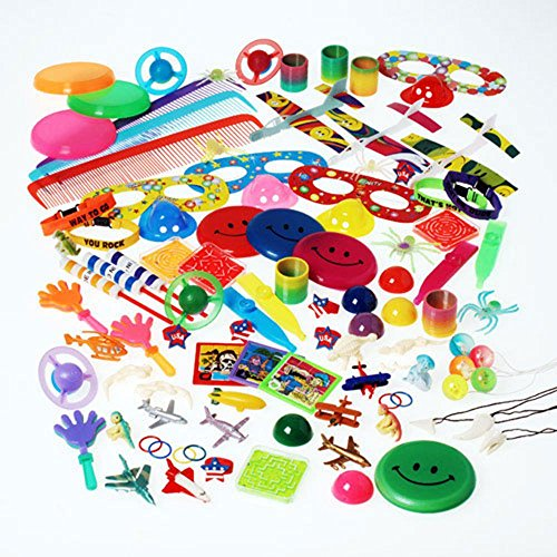 U.S. Toy SA126 Super Value Toy Assortment(250 Piece) by U.S. Toy