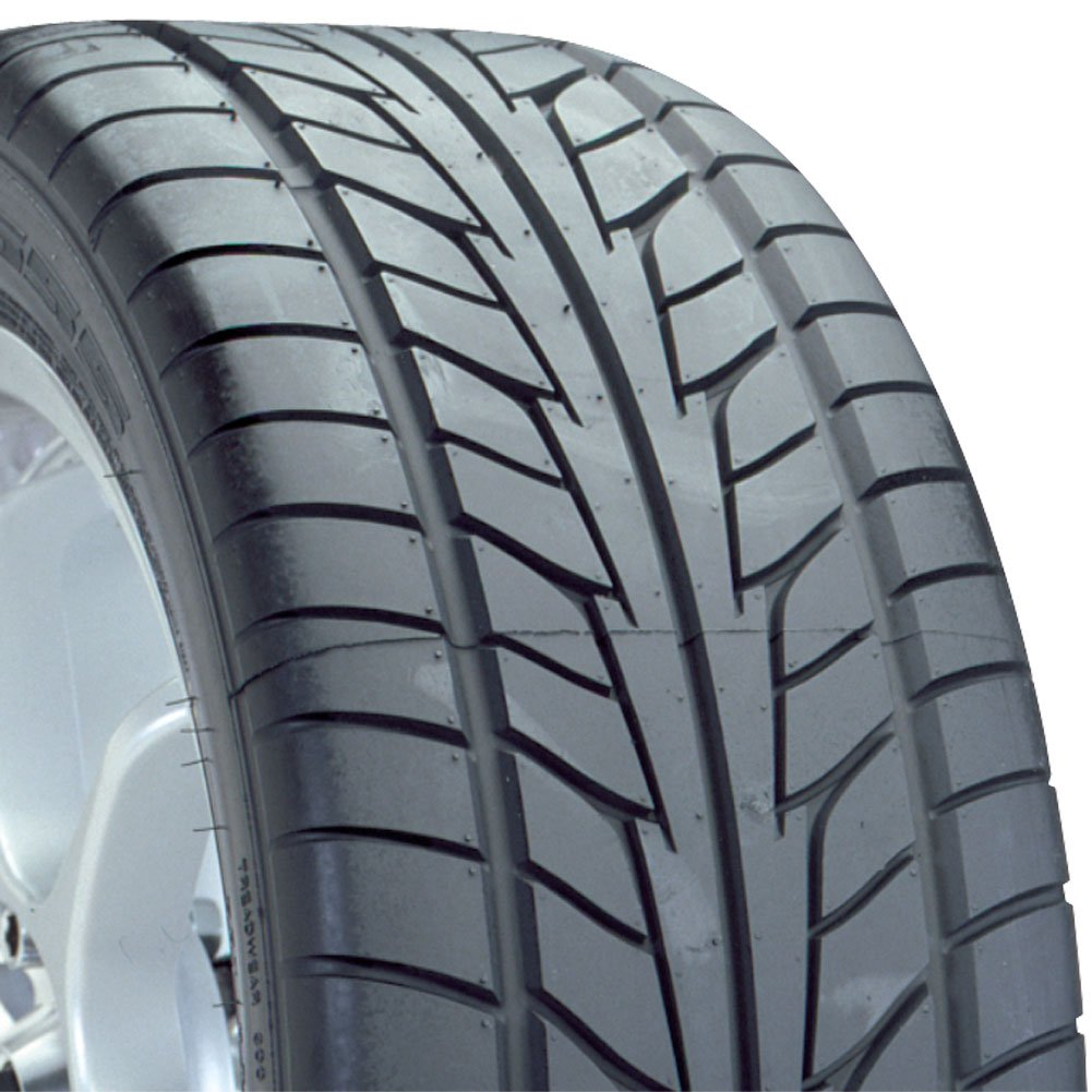 Nitto NT555 EXT High Performance Tire - 225/40R18  92Z