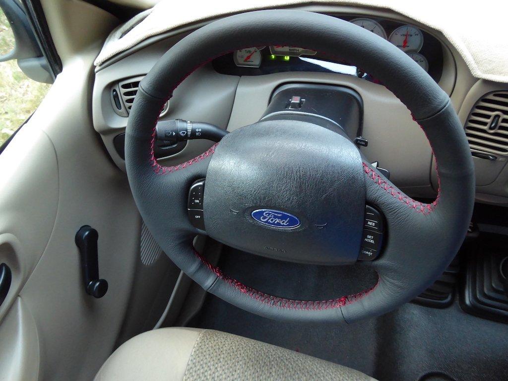 Amazon.com: RedlineGoods Ford F-250/F-350 1999-07 cubierta del volante de: Automotive