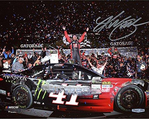Busch Autograph (Kurt Busch Autographed 2017 Daytona 500 Victory Lane 8