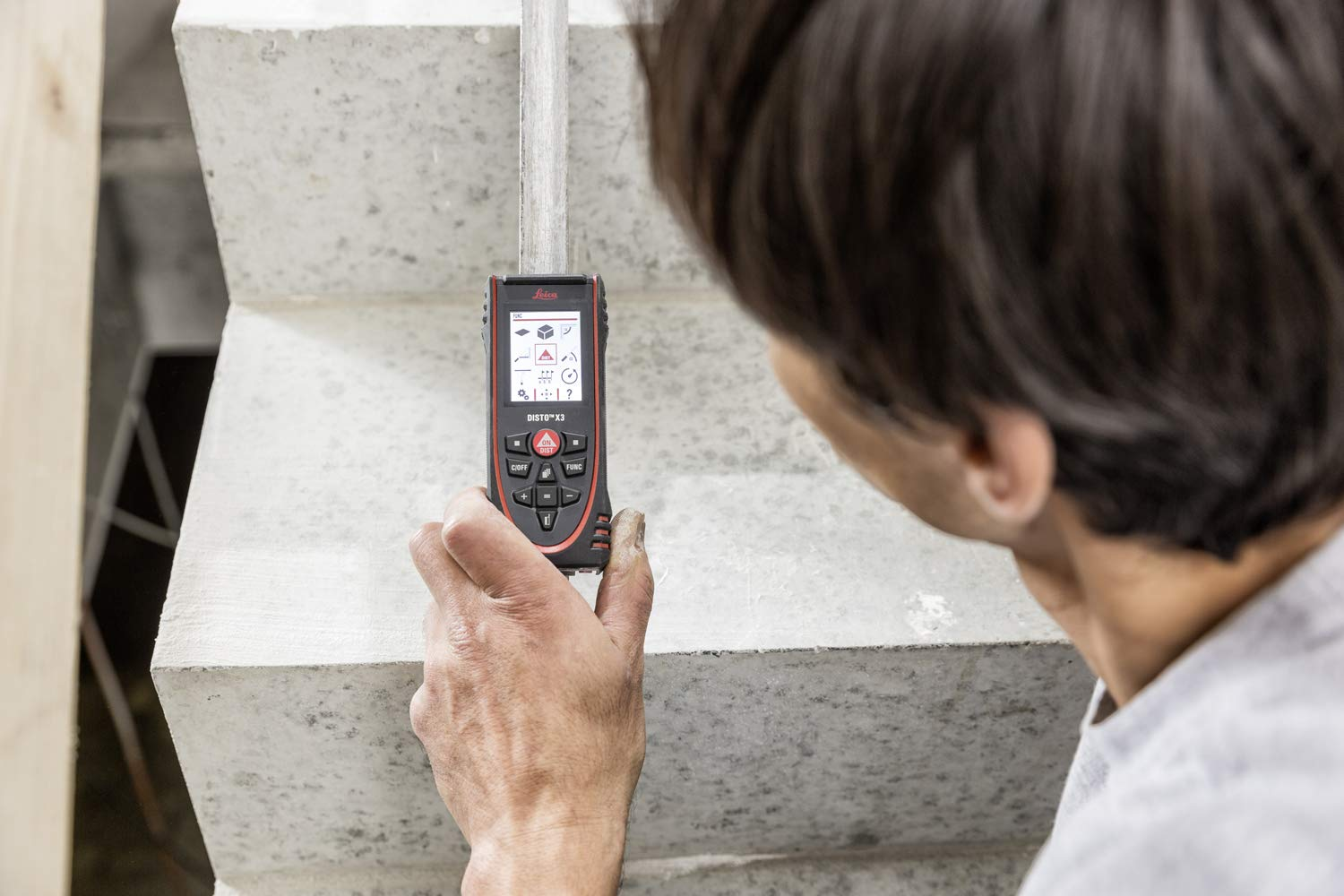 Leica Geosystems Disto X3/ Leica robuste T/él/ém/ètre laser pour le retour Chantier quotidien plage de mesure jusqu/à 150/ m et interface Bluetooth pour applications