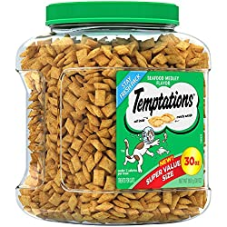 TEMPTATIONS Classic Treats for Cats Seafood Medley Flavor 30-Ounce Tub; Mouthwatering Holiday Cat Gift