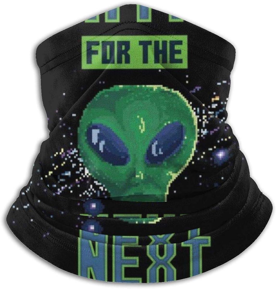 Retro Pixel Alien esperando a la siguiente cara bandanas para ...