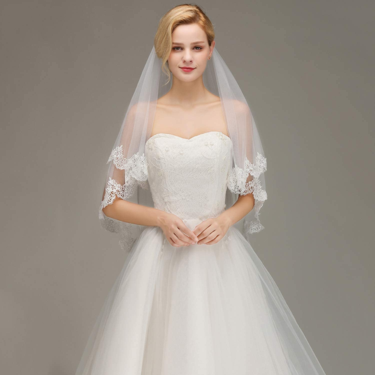 Voice of Bride Lace Edge Short Wedding Veil with Comb Two Layers Tulle Bridal Veil Wedding Accessories