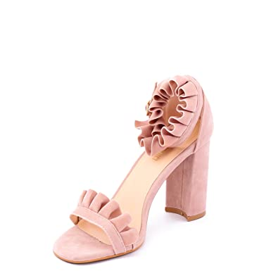 Nude girl hot sandals photo 931